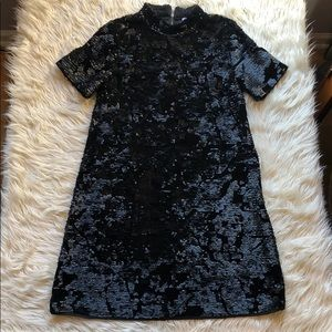 Loveriche black sequin/velvet short sleeve dress🤩